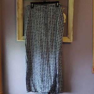 Cherokee navy blue/white skirt. Small